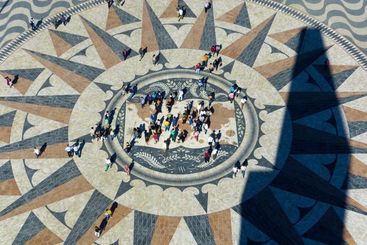 Площадка около памятника первооткрывателям, Лиссабон