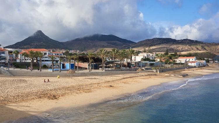 Лучшие пляжи Португалии, Порту Санту