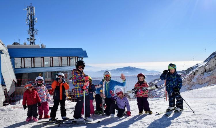 Обучение катанию на лыжах детей в Бовец