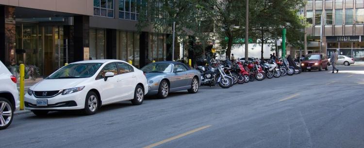 Парковки в Торонто