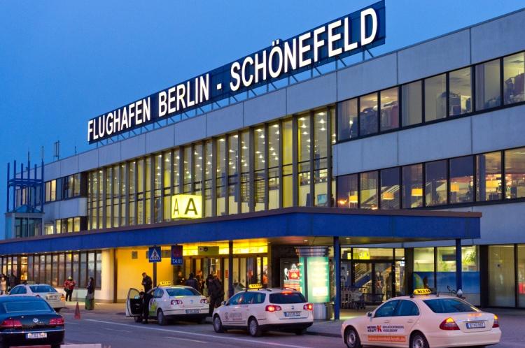 Аэропорт Берлин-Шёнефельд в Германии
