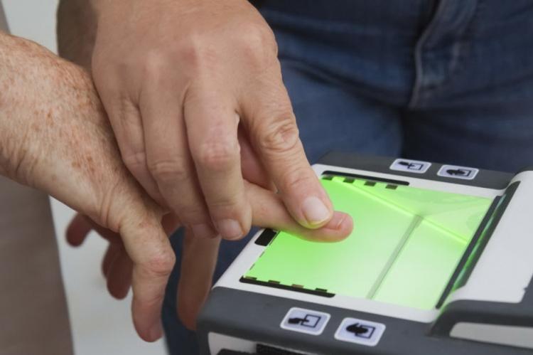 Дактилоскопия при получении биометрического паспорта