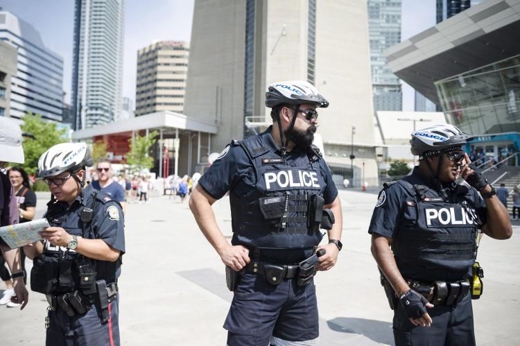 Полицейские в Канаде