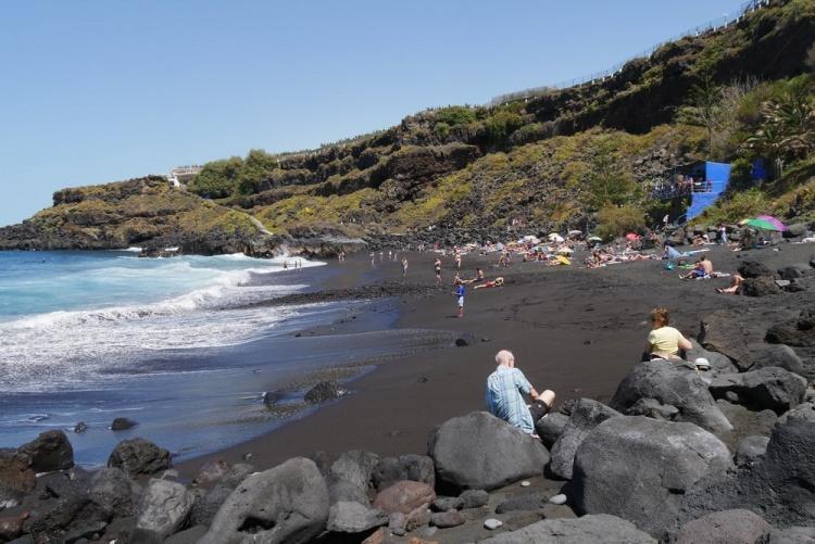 Плайя Боллулло, красивый залив на Тенерифе