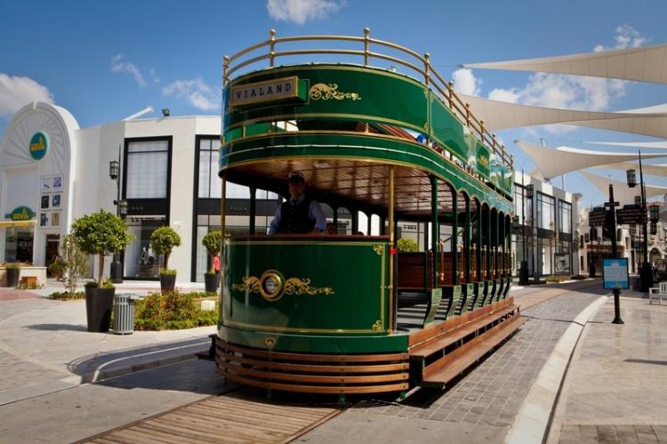 Трамвай в Исфанбул-молл