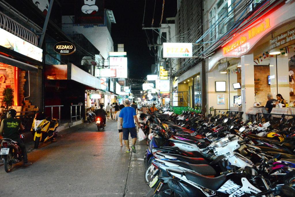 Парковка мотоциклов в Таиланде