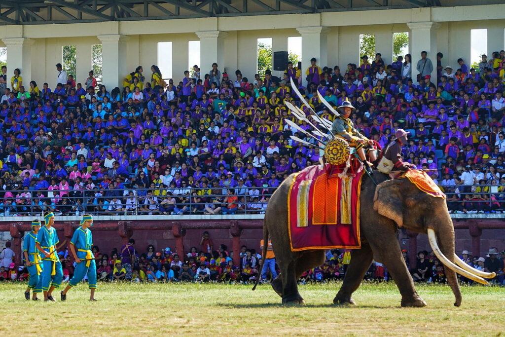 праздник слонов в Таиланде