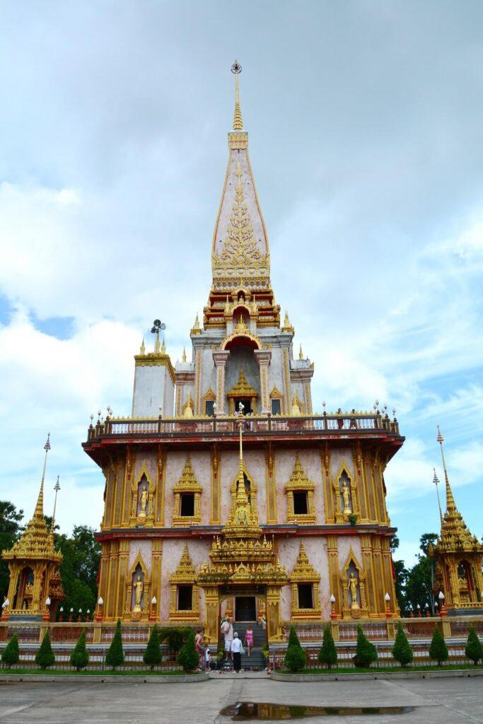 Пхукет храм Ват Чалонг