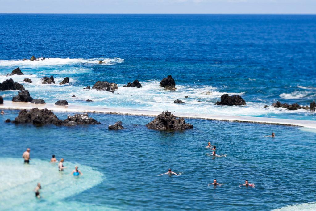 Пляж в Порту Мониш Мадейра