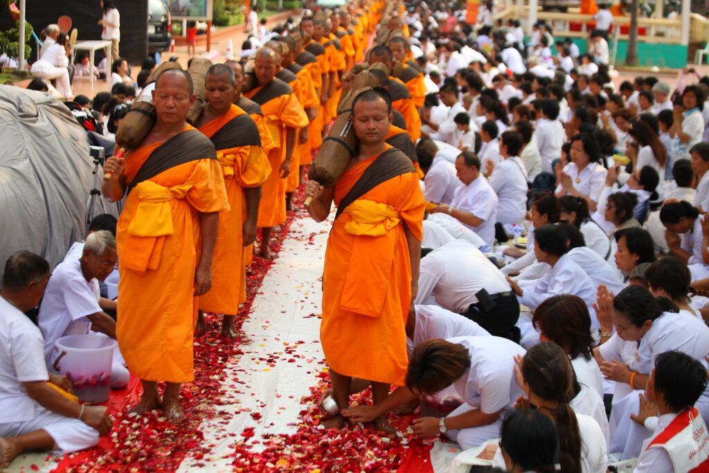 Выходные дни в Таиланде: Висакха Буча