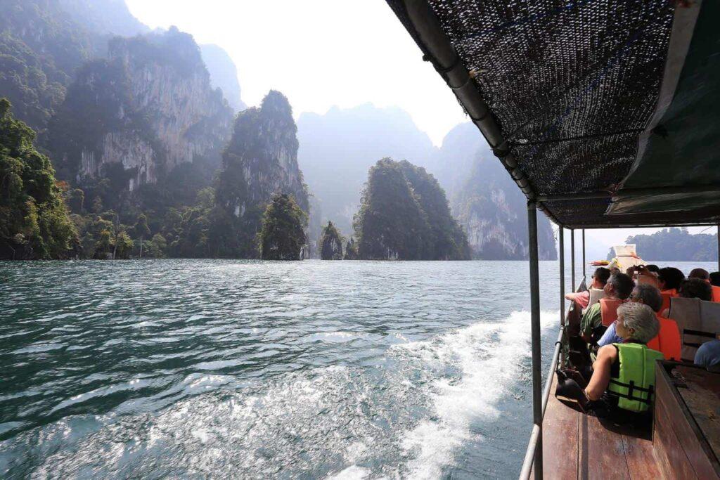 Озеро Чео Лан в Тайланде