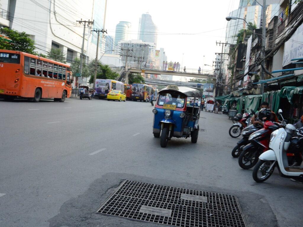 Таиланд-советы туристам: движение на дорогах