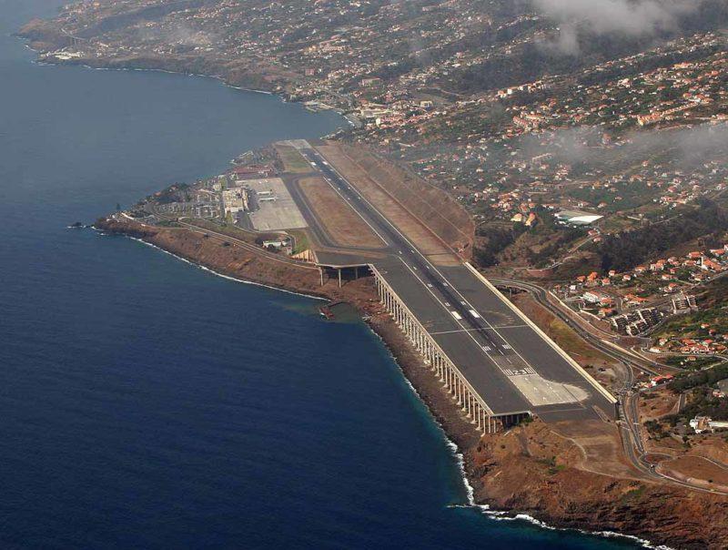 Аэропорт на острове Мадейра, Фуншал