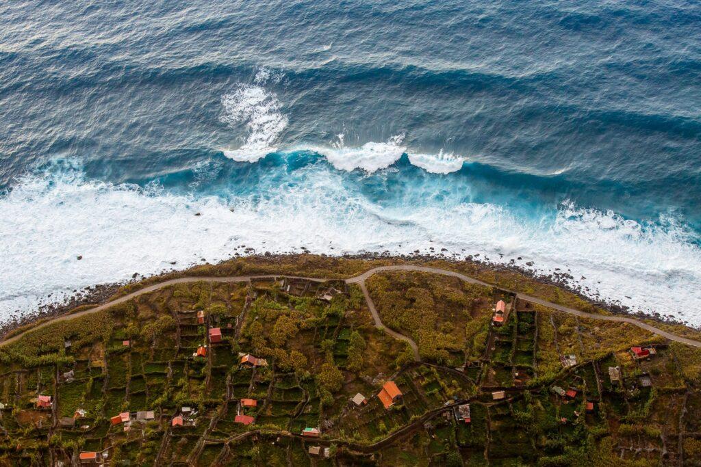 Вид сверху на Порту Мониш Мадейра