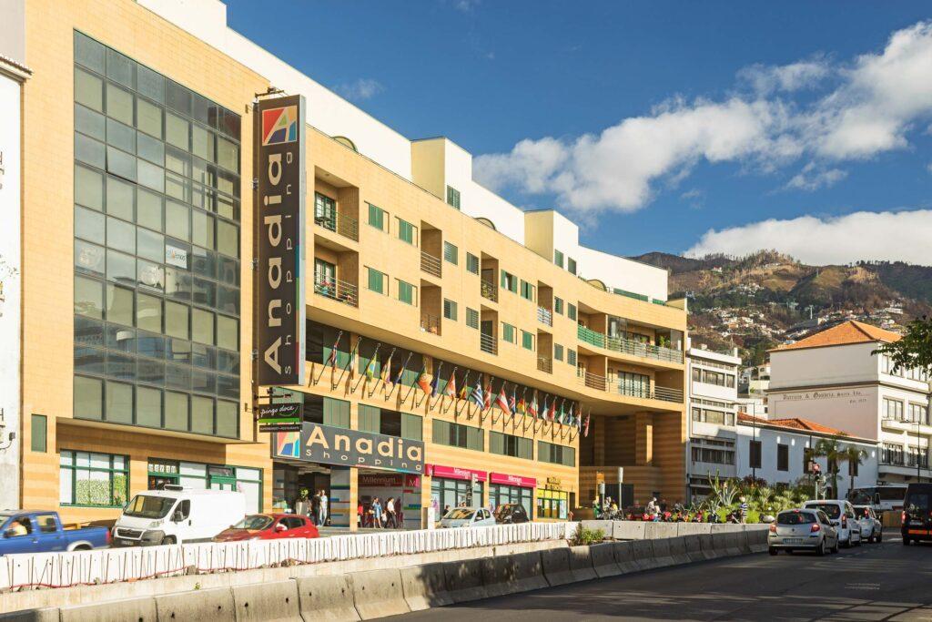 Anadia Shopping Мадейра