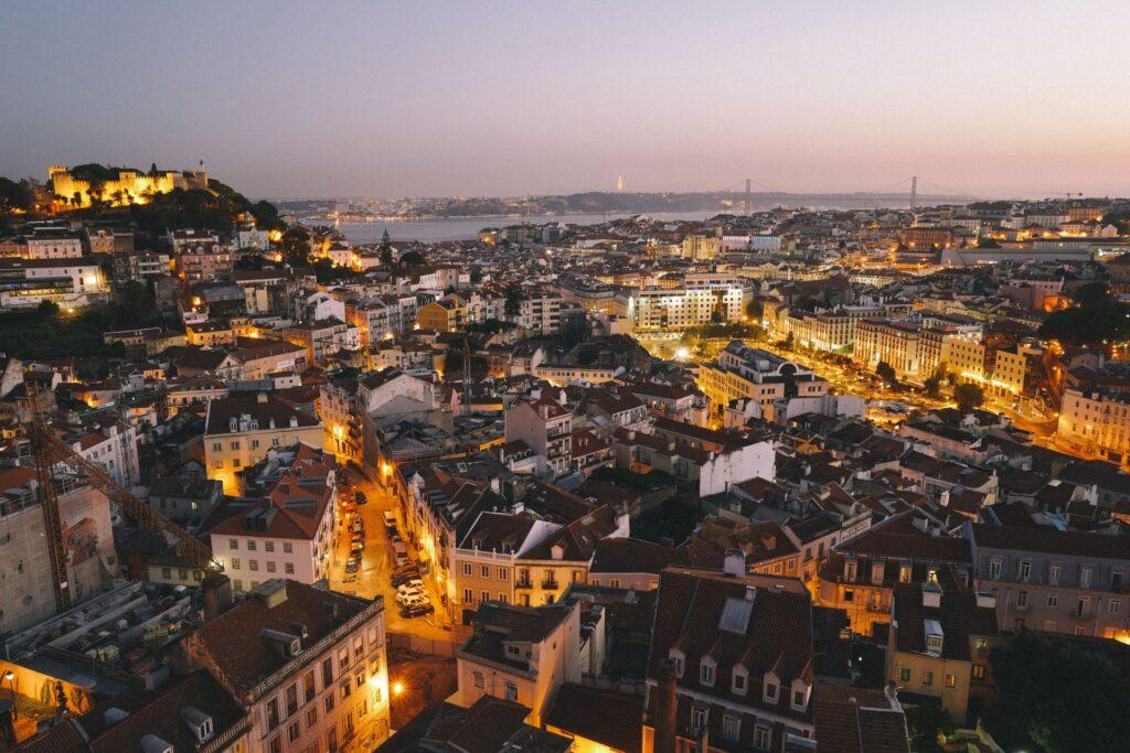 Лиссабон погода ночью
