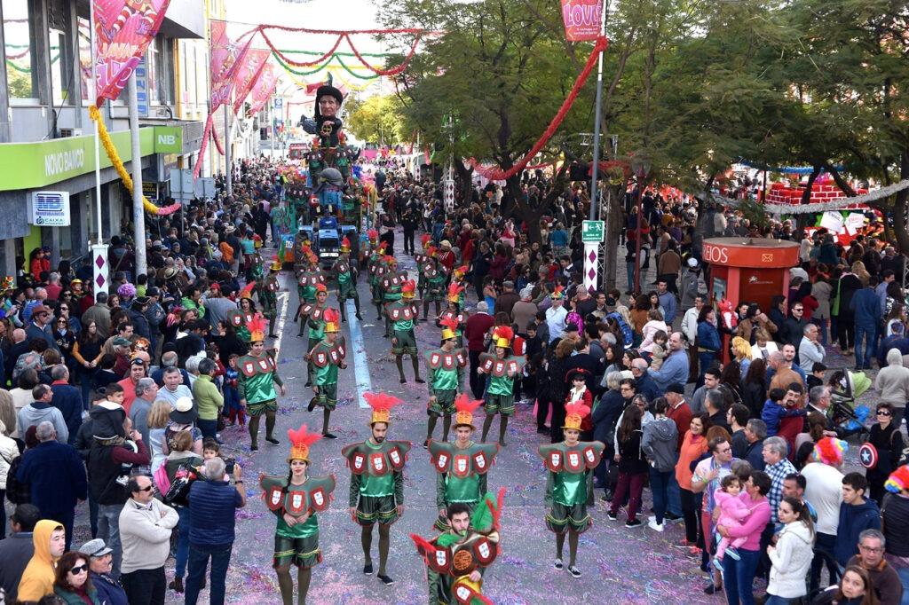 Карнавал в Лоле Португалия