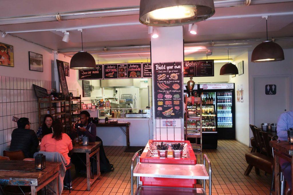 John's Hotdog Deli в Копенгагене