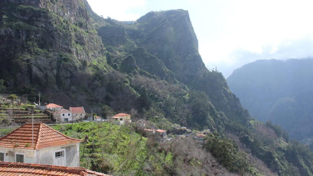 Долина монахинь Поселок