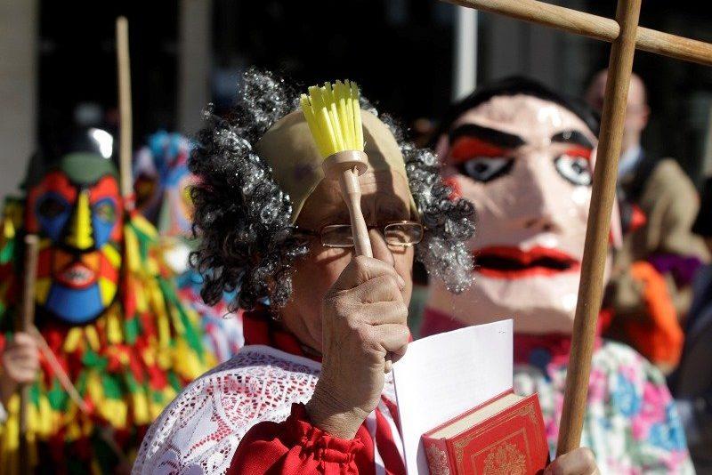 Карнавал Похороны Трески в Португалии