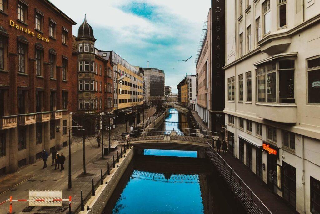 Из Копенгагена в Орхус Дания