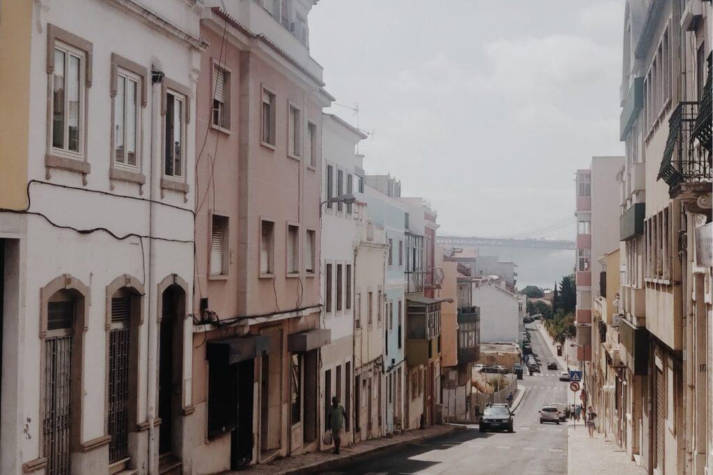 Лиссабон май