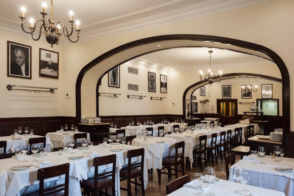 Кафе Martinho da Arcada Лиссабон кухня