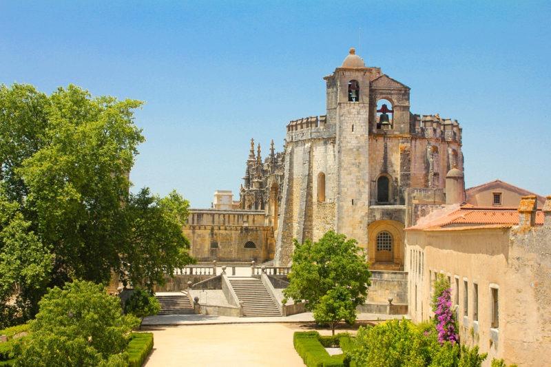 замок тамплиеров - Томар, Португалия