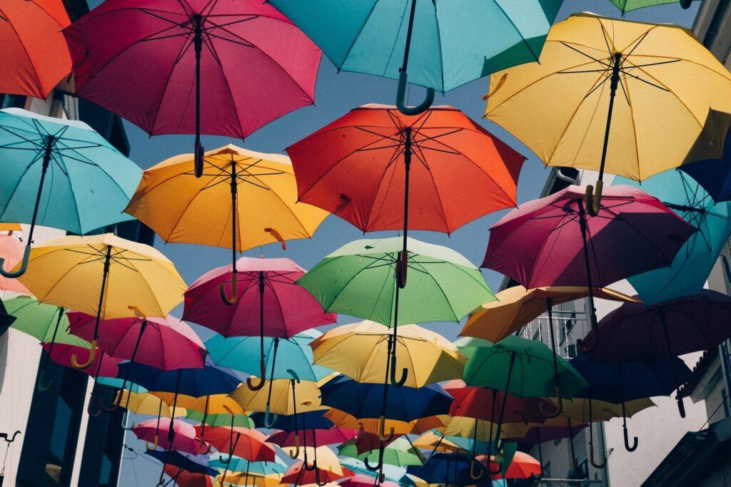 Фестиваль зонтиков в Португалии