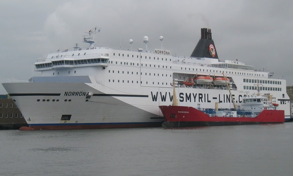 Паром Smyril Line в Дании