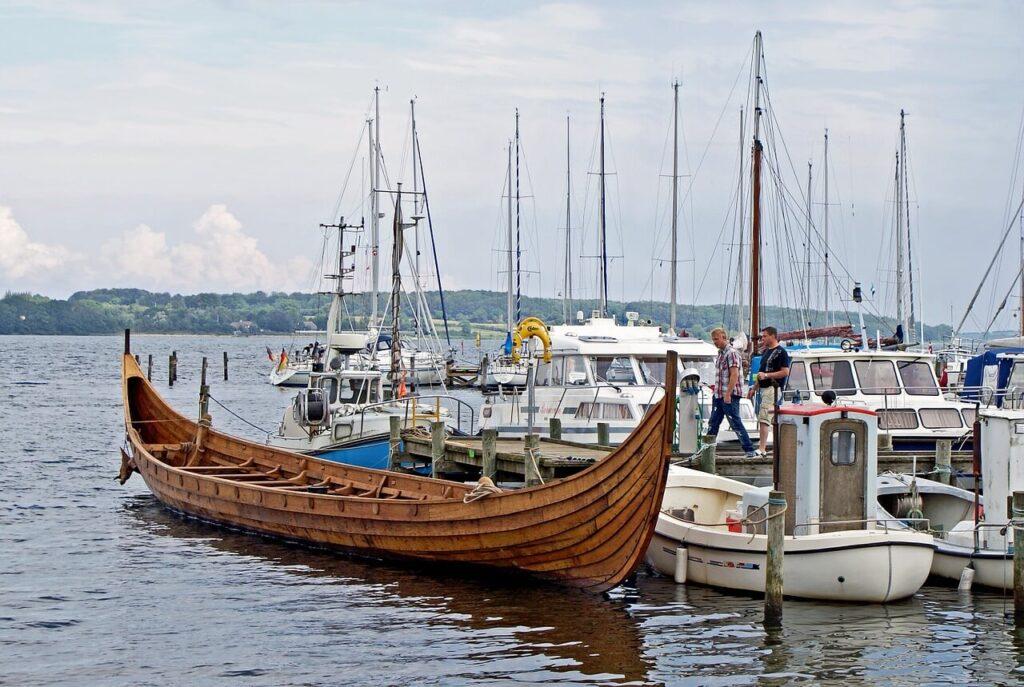 Корабль викингов Дания