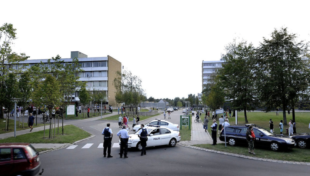 Небезопасный район Vollsmose в Дании