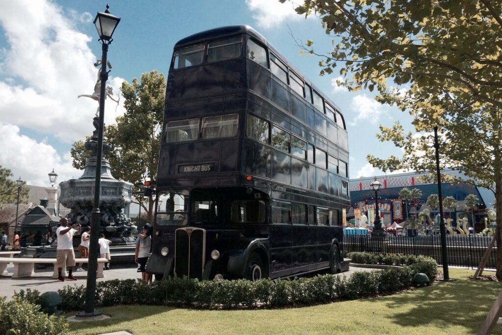 Черный автобус