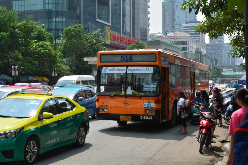 Общественный транспорт автобус Бангкок