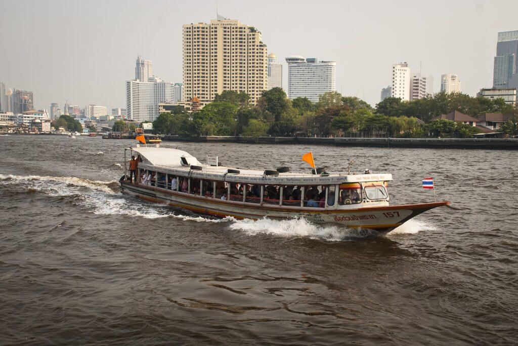 Речные трамваи Бангкок