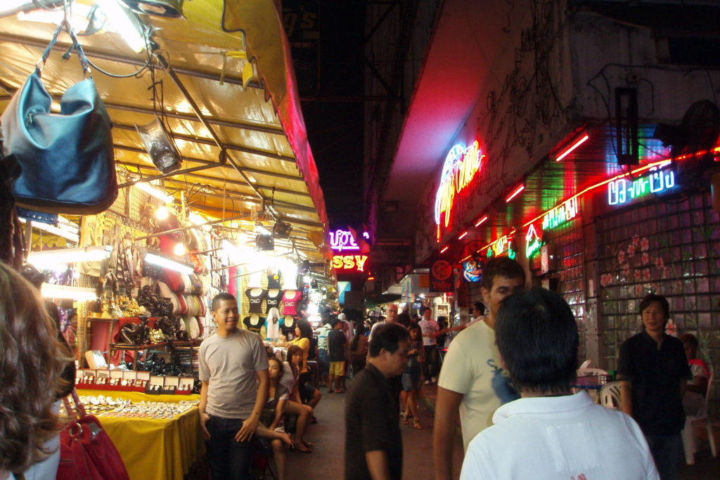 Рынок Patpong Night Market Бангкок