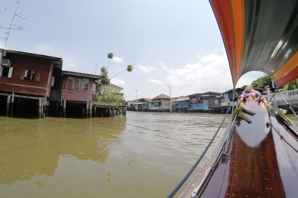 На речном транспорте в Бангкоке