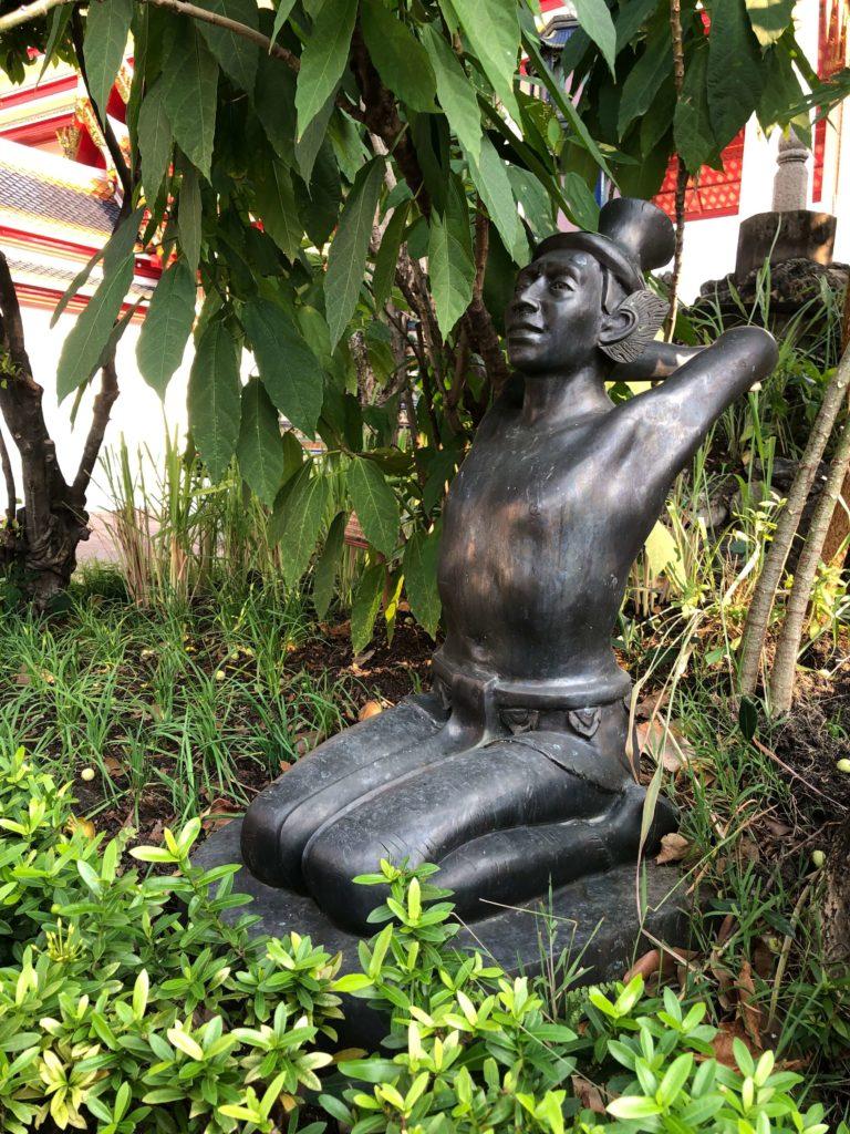 Скульптуры - Храм лежащего Будды Бангкок
