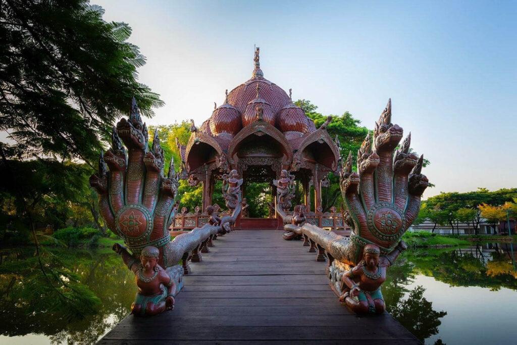 Прогулка по парку Муанг Боран Бангкок