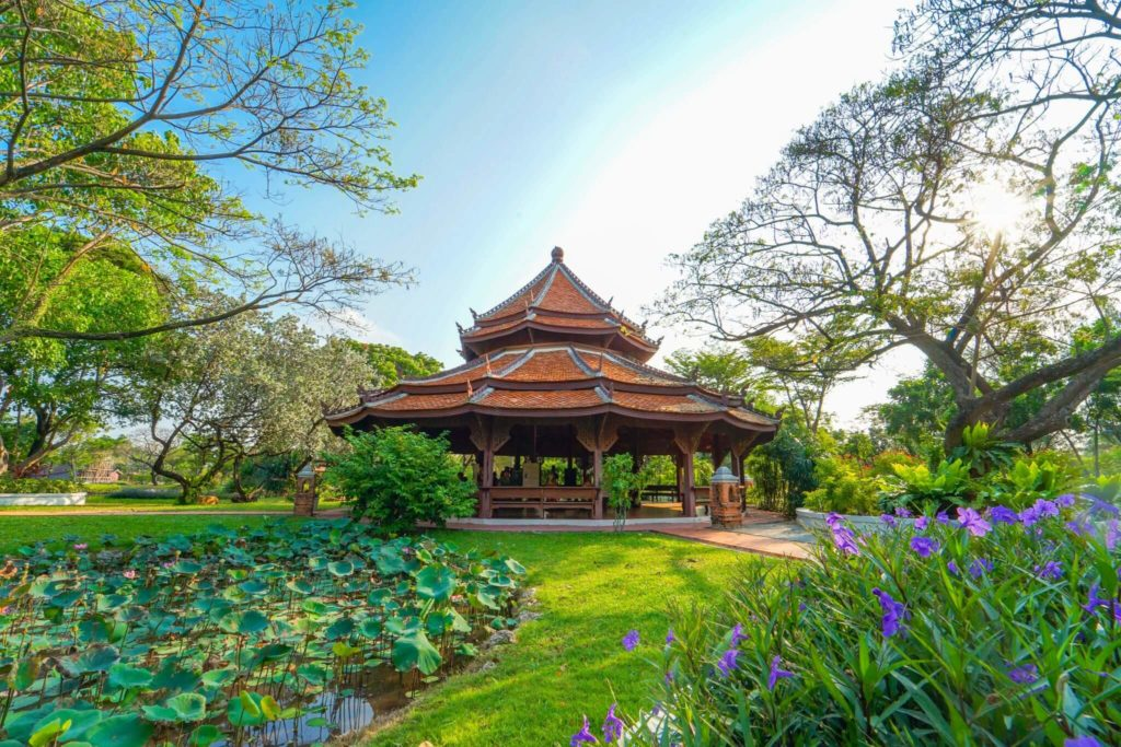Посетить парк Муанг Боран в Бангкоке