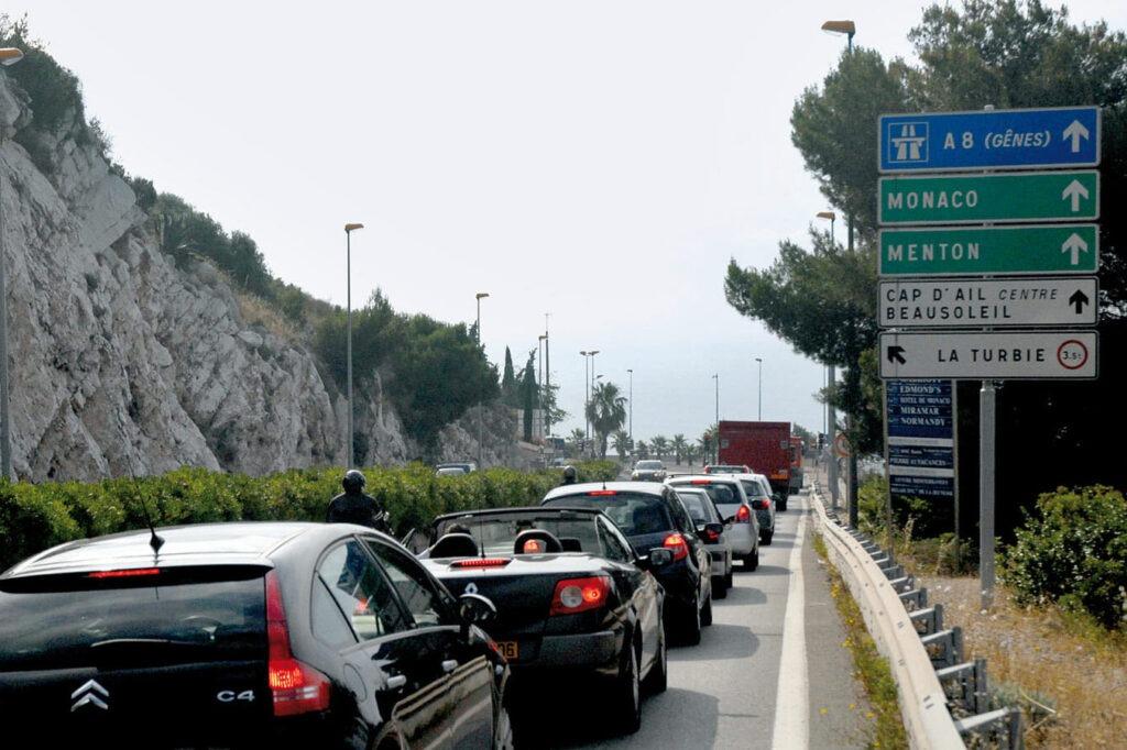Движение на А 8 в Монако
