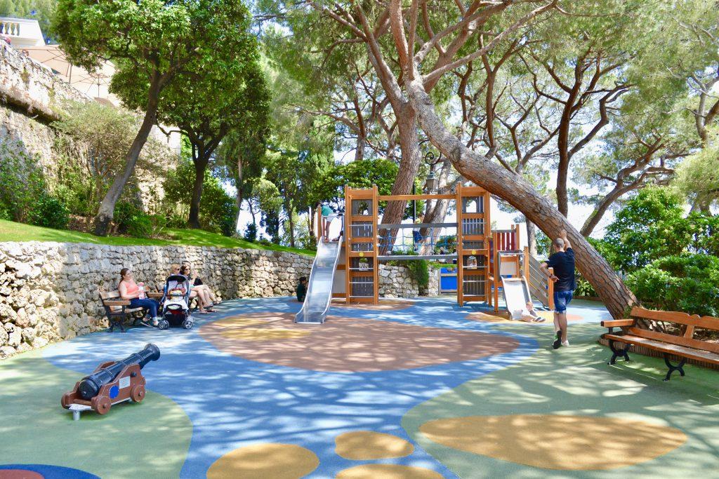 Детская площадка в Монако