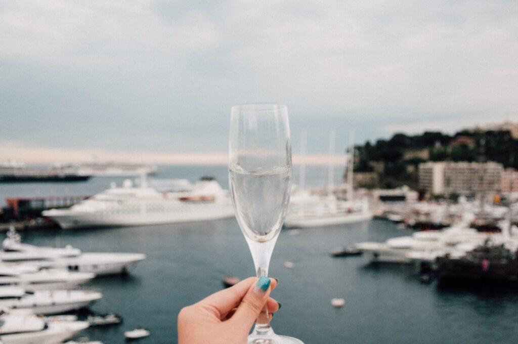 Запрет на алкоголь в Монако