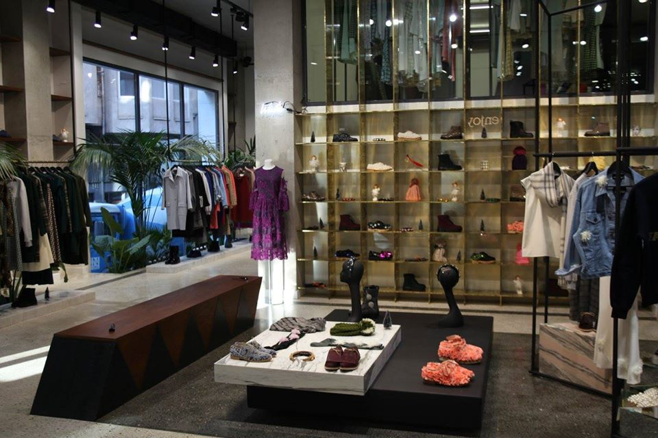Магазин дизайнерской одежды Anouki в Грузии