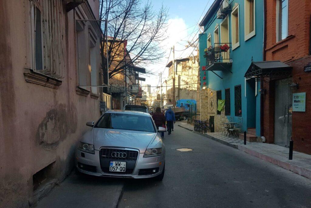 avtomobilnaya-aptechka-gruziya