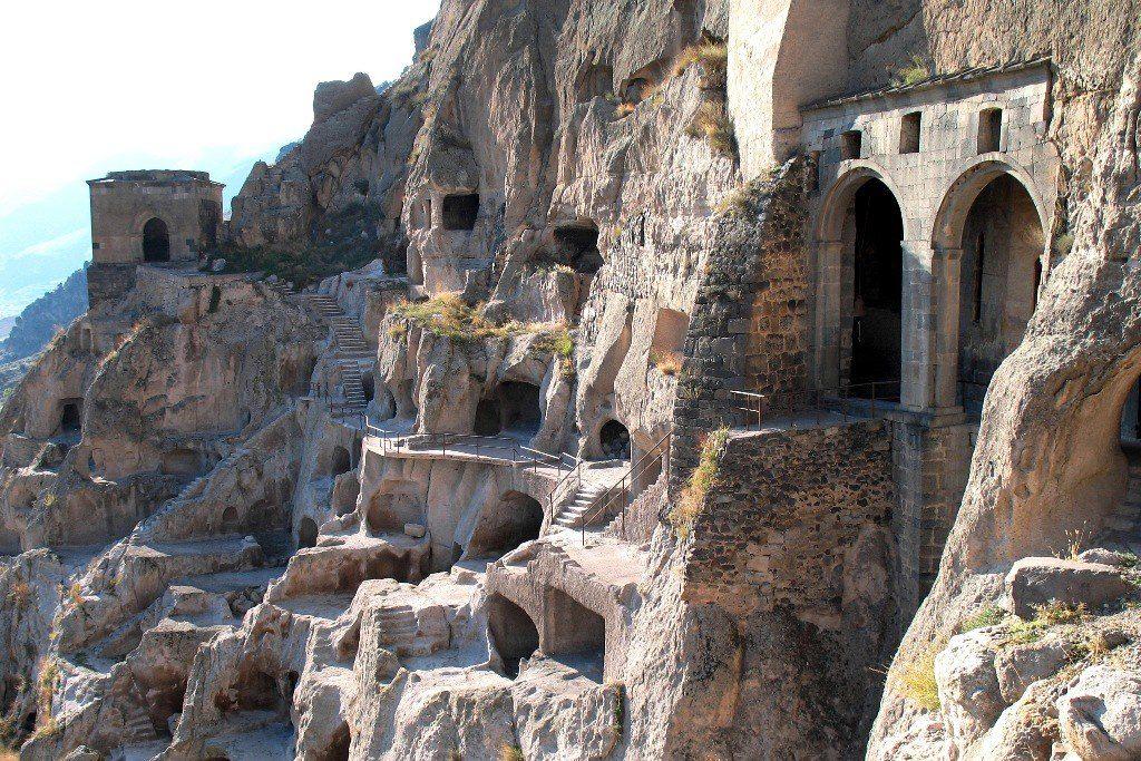 Достопримечательность Пещеры Вардзиа Тбилиси