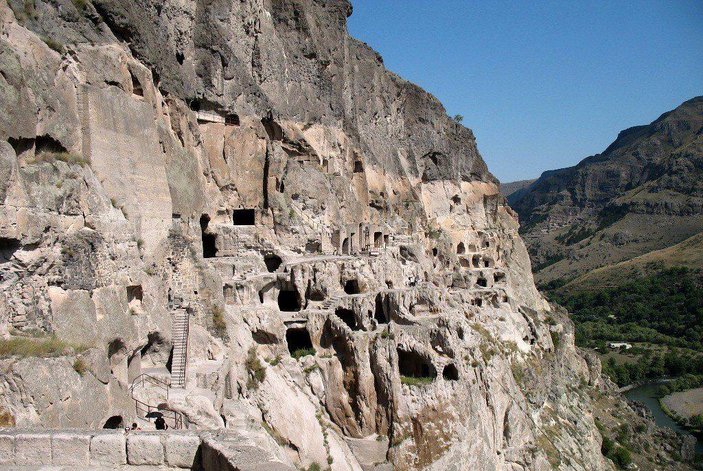Пещерный комплекс Вардзиа Тбилиси - пещеры лестницы строения