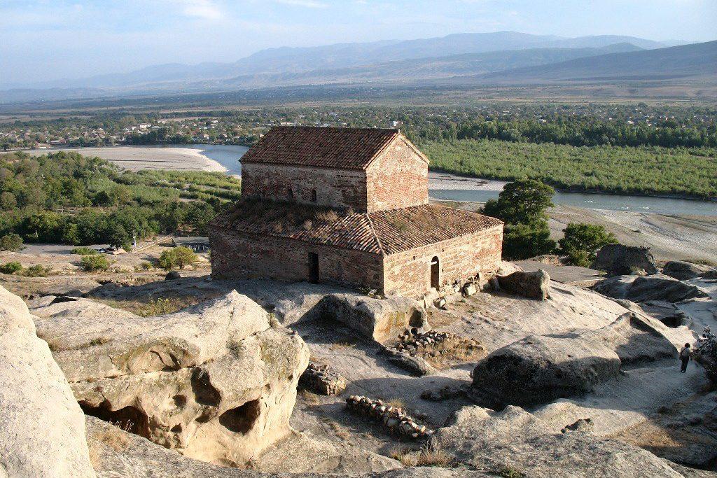 Скальный город Кавказа Уплисцихе