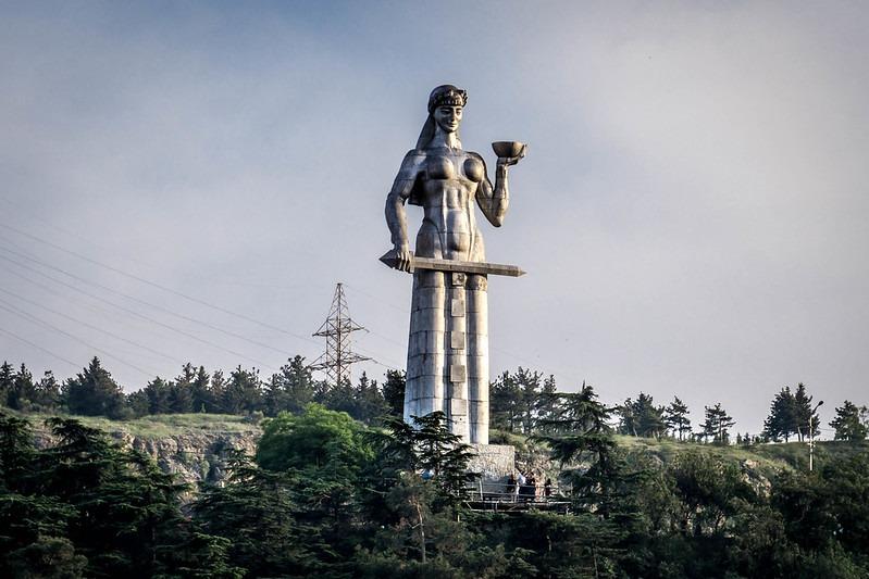 Старый Тбилиси - монумент Мать Картли