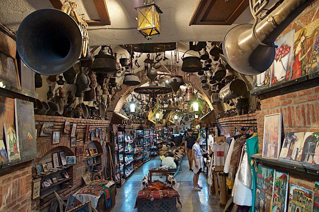 Интересный подземный базар в Тбилиси - Meidan Bazaar